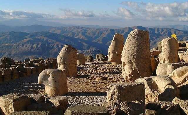 Talking Heads of Turkey: Mt Nemrut&#8217;s Ancient Monuments