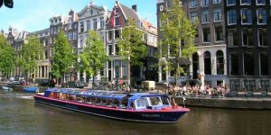 canal-cruise-amsterdam